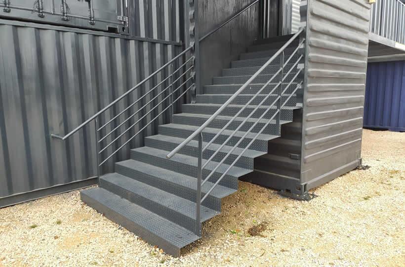 Escalier en container