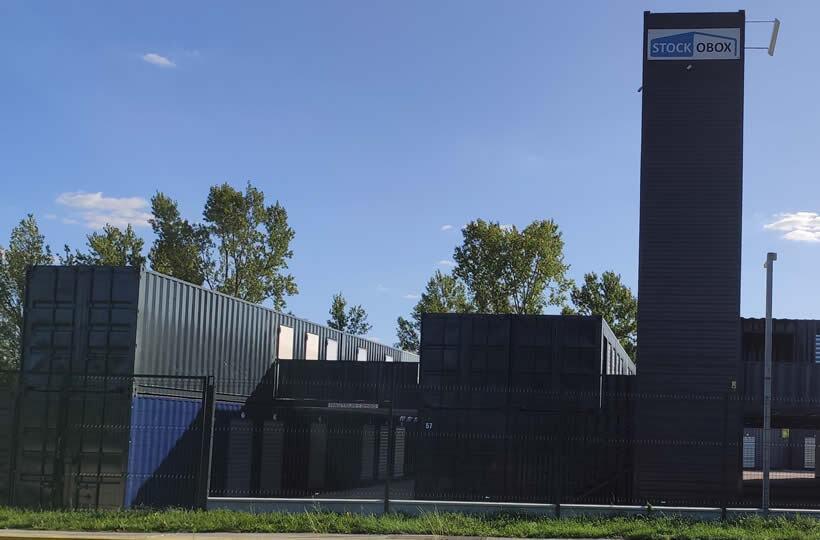 Container totem 40' à la verticale